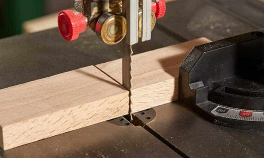 How To Use A Bandsaw? Tips & Tricks