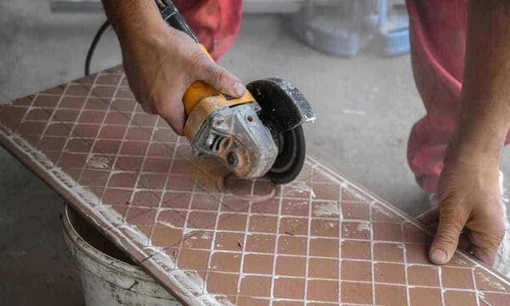 How to Cut a Circle in Tile