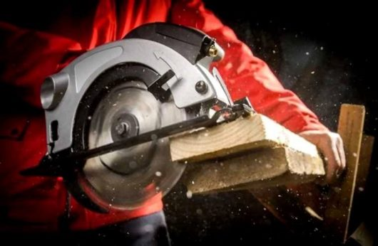 Best Circular Saws 2020 – Reviews & Buying Guide