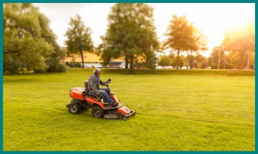 Garden Tractor Vs. Lawn Tractor – What's the Difference?